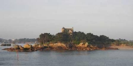 Location de vacances Locations Ploumanach > L'île de Costaeres