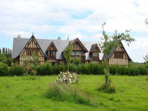 Bed & breakfasts Calvados, from 120 €/Nuit. House of character, Deauville (14800 Calvados), Charm, Luxury, Garden, Park, Disabled access, Net, WiFi, T.V., Baby Kits, Parking, 1 Double Bedroom(s), 1 Suite(s), 4/5 Maximum Pe...