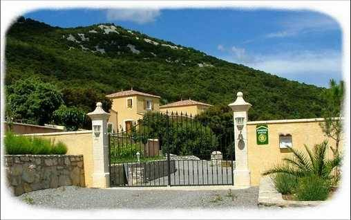 Bed & breakfasts Gard, from 80 €/Nuit. House of character, St Hippolyte du fort (30170 Gard), Charm, Swimming Pool, Garden, Parking, 4 Double Bedroom(s), 1 Suite(s), 11 Maximum People, 3 Epis Gite De France, Mountain V...