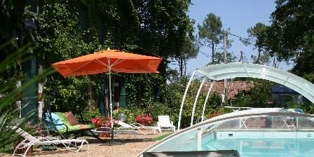 Domaine d'Agès La piscine