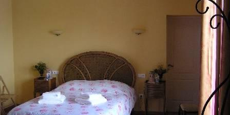 Les Palmiers Céline's bedroom