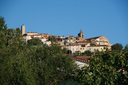 vue sur le village de Tourrettes