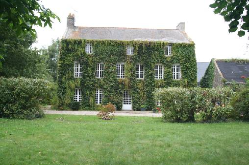 Bed & breakfasts Ille-et-Vilaine, from 85 €/Nuit. House of character, Saint Malo (35400 Ille-et-Vilaine), Charm, Park, WiFi, Baby Kits, Parking, 3 Double Bedroom(s), 1 Suite(s), 1 Childrens Bedrooms, 12 Maximum People, Lounge, Li...