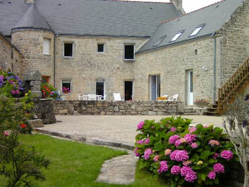 Bed & breakfasts Morbihan, from 70 €/Nuit. House of character, Belz (56550 Morbihan), Garden, WiFi, T.V., Parking, 2 Maximum People, Lounge, South Direction, Pets forbidden. A proximité : Lorient 25 km, Carnac 12 km, Quibe...