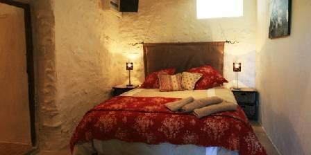 Chez Hubbert En bas chambre à coucher.