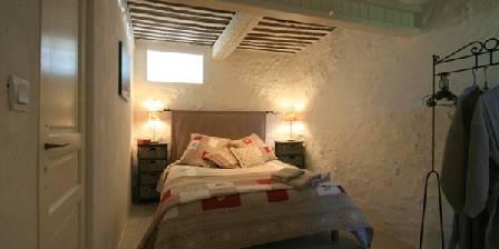 Chez Hubbert 2ème chambre à coucher en bas.