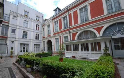 Bed & breakfasts Nord, from 115 €/Nuit. Unusual, Lille (59000 Nord), Net, T.V., Baby Kits, 1 Double Bedroom(s), 2 Maximum People, Travel Cheques, Animaux: Avec Accord Propriétaire. A proximité : Bruxelles 150 km, Musée...