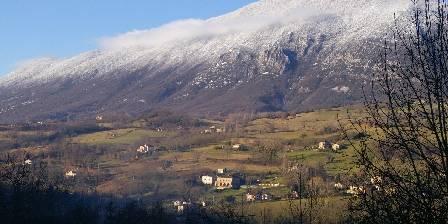 Relais de Chateau Gaillard Vue de la terrasse du gite par un jour d'hiver
