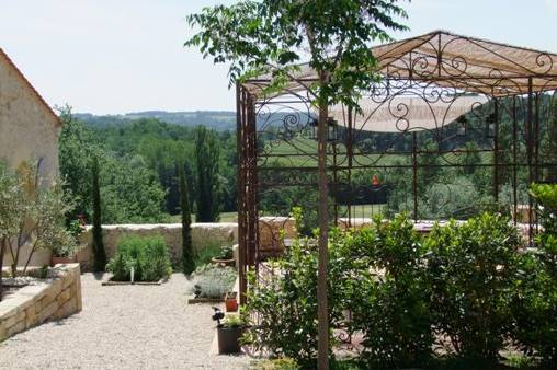 Bed & breakfasts Gironde, from 90 €/Nuit. House of character, Mérignas (33350 Gironde), Charm, Luxury, Guest Table, Garden, Park, Net, WiFi, Baby Kits, 1 Double Bedroom(s), 4 Suite(s), 10 Maximum People, Lounge, Library, ...