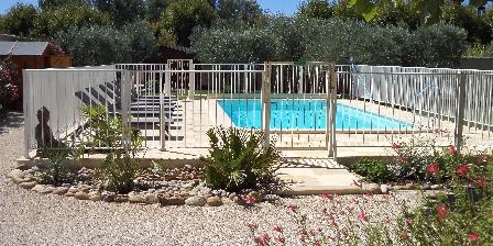 La Farigoule  en Provence Piscine clôturer