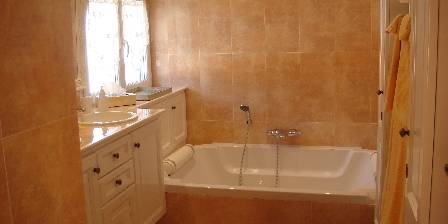 La Tarentane Salle de bains chambre d'hôtes