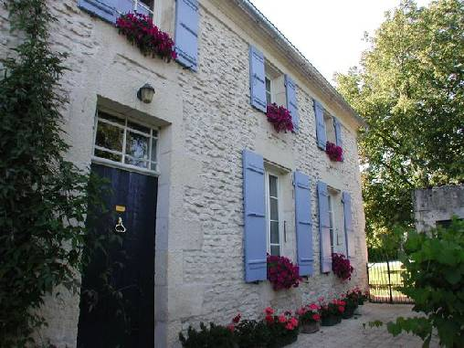 Bed & breakfasts Charente-Maritime, from 60 €/Nuit. House of character, Trizay (17250 Charente-Maritime), Charm, Guest Table, Garden, Park, Net, WiFi, Baby Kits, 3 Double Bedroom(s), 8 Maximum People, Lounge, Chimeney, South Direct...