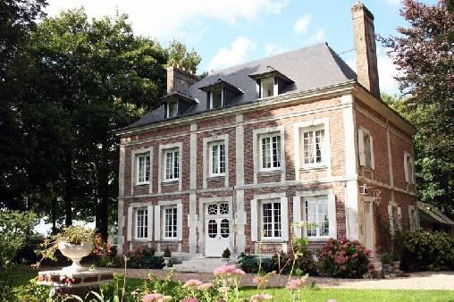 Chambres d'hotes Seine-Maritime, à partir de 85 €/Nuit. Château, Epretot (76430 Seine-Maritime), Charme, Table d`hôtes, Internet, WiFi, Téléviseur, Equipements Bébé, 5 chambre(s) double(s), 1 suite(s), 1 chambre(s) enfants, 8 pe...