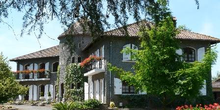 Domaine Arros Maison, vue de la tonnelle de vigne