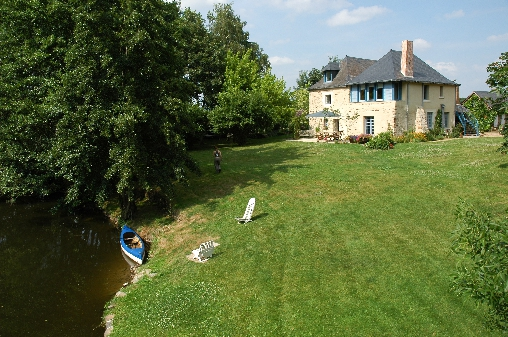 Bed & breakfasts Maine-et-Loire, from 60 €/Nuit. House of character, Thorigne D`anjou (49220 Maine-et-Loire), Charm, Guest Table, Sauna, Garden, Park, WiFi, 3 Double Bedroom(s), 7 Maximum People, Lounge, Chimeney, Cycle, Trainin...