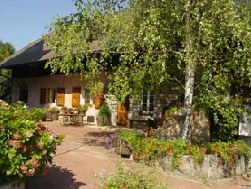 Bed & breakfasts Savoie, from 67 €/Nuit. House of character, Aix les Bains (73100 Savoie), Charm, Guest Table, Swimming Pool, Garden, Park, WiFi, Baby Kits, 5 Double Bedroom(s), 11 Maximum People, Lounge, Library, Chimen...
