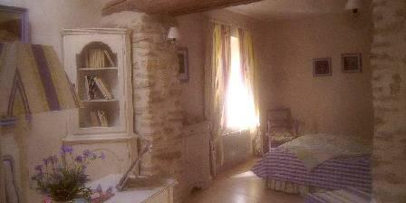 Le mas du haut-Roussillac Chambre Tante Olga