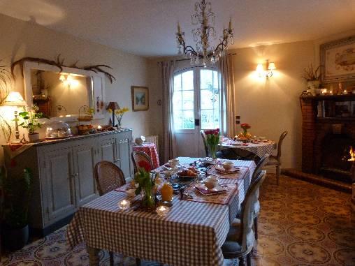Chambre d'hote Haute-Garonne - salle des petits déjeuners