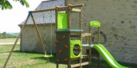 La roulotte des Gauliers L'aire de jeux du Domaine des Gauliers, en Anjou