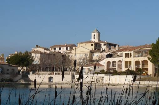 Le village au cœur du domaine de Pont-Royal