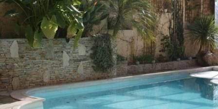 Gîte du Château du Comte La piscine