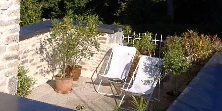 La Maison de Claire La terrasse donnant sur le jardin de curé