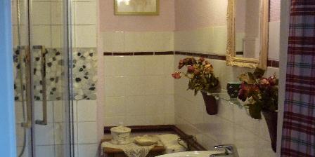 La Maison de Claire La salle d'eau de la Romantique