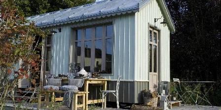 Le Mas Normand La roulotte version cabane de pêcheur ,