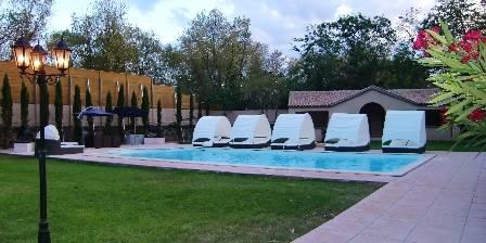 Chambre d'hotes Château Rieutort > La piscine naturiste > Cliquez ici pour agrandir cette photo