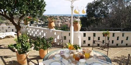 Les Terrasses Du Soleil Petit déjeuner sur la terrasse panoramique