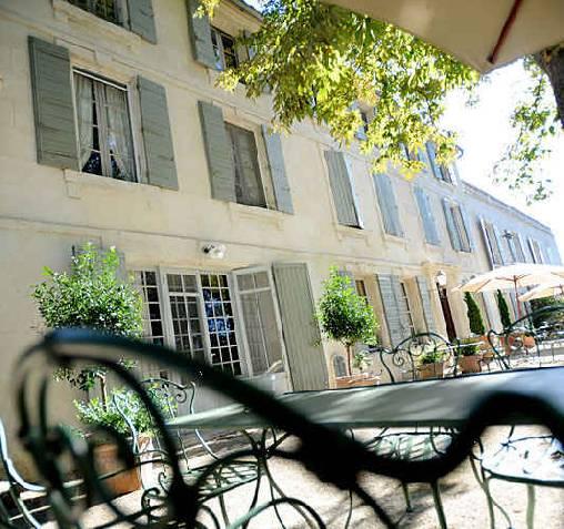 Chambres d'hotes Bouches du Rhône, à partir de 115 €/Nuit. Raphele les Arles (13280 Bouches du Rhône)....