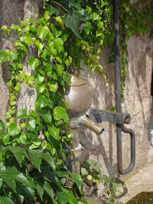 Chambre d'hote Allier - La fontaine en cuivre d'époque