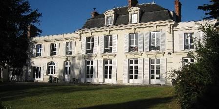 Chambre d'hotes Château De La Marjolaine > Chateau de la Marjolaine