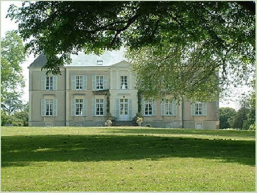 Gastezimmer Loire-Atlantique, ab 100 €/Nuit. Schloss, Haute Goulaine (44115 Loire-Atlantique), Charme, Luxus, 1 suite(n), 2 personen maximum, Aufenthaltsraum, Billard, Tennis, Blick Kampagne , Richtung Ost-West, Tiere nicht e...