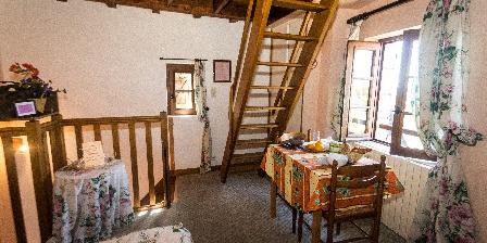 Aux Sabots du Causse Corrézien Vue de l'accés à la Mezzanine
