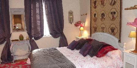 Bed and breakfast Domaine De V�signeux > Chambre Anna-Carlotta > Click here to enlarge photo