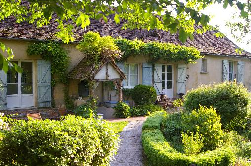 Bed & breakfasts Dordogne, from 75 €/Nuit. House of character, Saint Germain et Mons (24520 Dordogne), Charm, Swimming Pool, Garden, Park, Disabled access, Net, WiFi, T.V., Baby Kits, Air-Conditioning, 3 Double Bedroom(s),...