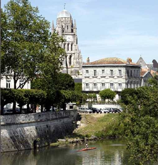 Bed & breakfasts Charente-Maritime, from 82 €/Nuit. Saintes (17100 Charente-Maritime)....