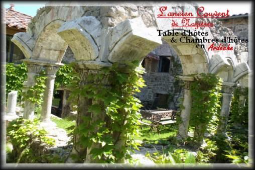 Chambres d'hotes Ardèche, à partir de 69.90 €/Nuit. Insolite, Nozières (07270 Ardèche), Charme, Table d`hôtes, WiFi, Parking, 5 chambre(s) double(s), 15 personnes maximum, Salon, Cheminée, Jeux pour enfants, Fleurs De Sol...