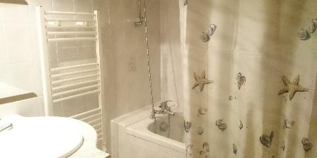 La Maison Jaune Salle de bain de la maison du pêcheur