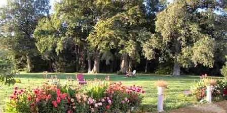 Château de Piolant Reposez vous dans le parc