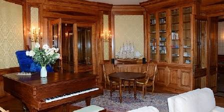 L'Ermitage du Rebberg Music Room
