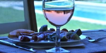 Les Terrasses Guest Table
