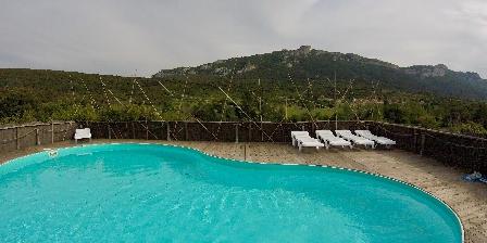 Gite Les Casots de Traoucalières > piscine du gite les casots, face au chateau de peyrepertuse