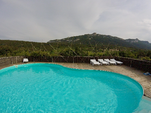 piscine du gite les casots, face au chateau de peyrepertuse