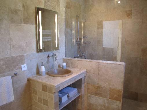 Chambre d'hote Var - Salle de bain côté vignes
