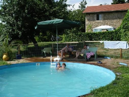 Chambre d'hote Haute-Loire - piscine d'été
