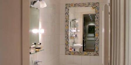 Ferienunterkunft Montmartre Balade > salle de bain