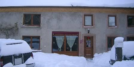 Le Kokopelli Chambres et Tipis d' Hotes  Notre maison de caractere sous la neige