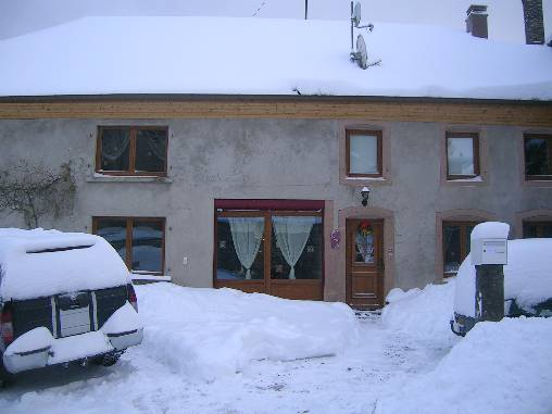 notre maison de caractere sous la neige